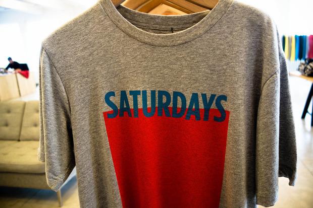 Американская марка Saturdays Surf NYC выпустила превью весенней коллекции одежды. Изображение № 10.