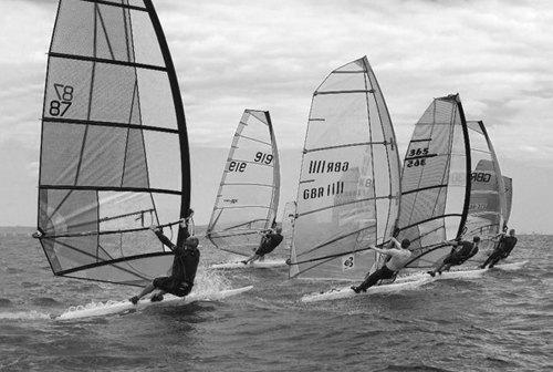 Как морские виды спорта стали популярными в России: 15 материалов FURFUR о сёрфинге и яхтах. Изображение № 1.