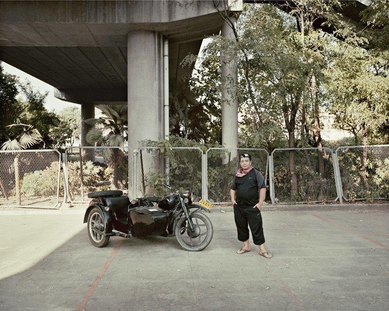 В люльке: Владельцы мотоциклов с колясками на фоне пейзажей Шанхая. Изображение № 7.
