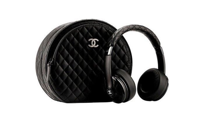 Марка Monster выпустила наушники в коллаборации с Chanel. Изображение № 1.