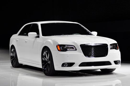Chrysler 300 SRT-8 . Изображение № 10.