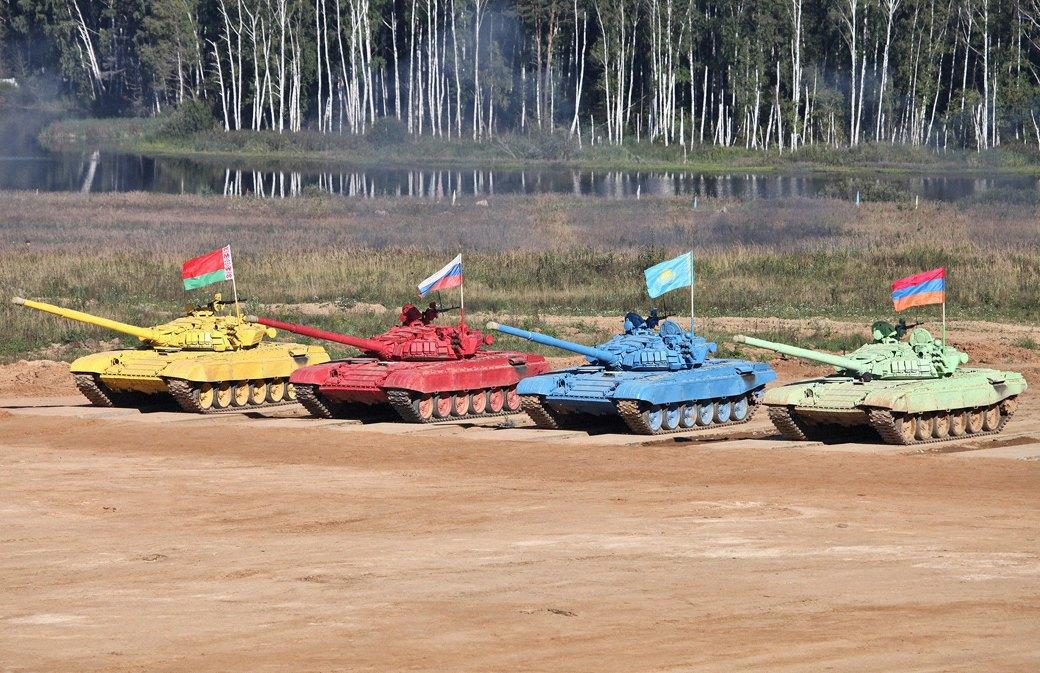 Танковый биатлон и ещё 15 идиотских идей соревнований для рекламы армии. Изображение № 1.