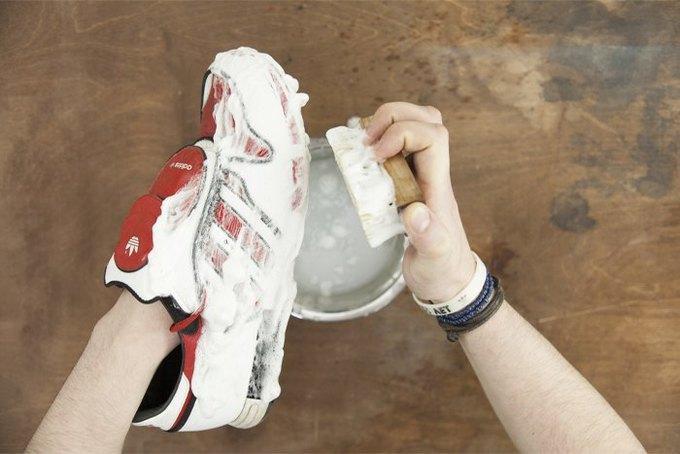 Совет: Как чистить кроссовки. Изображение № 10.