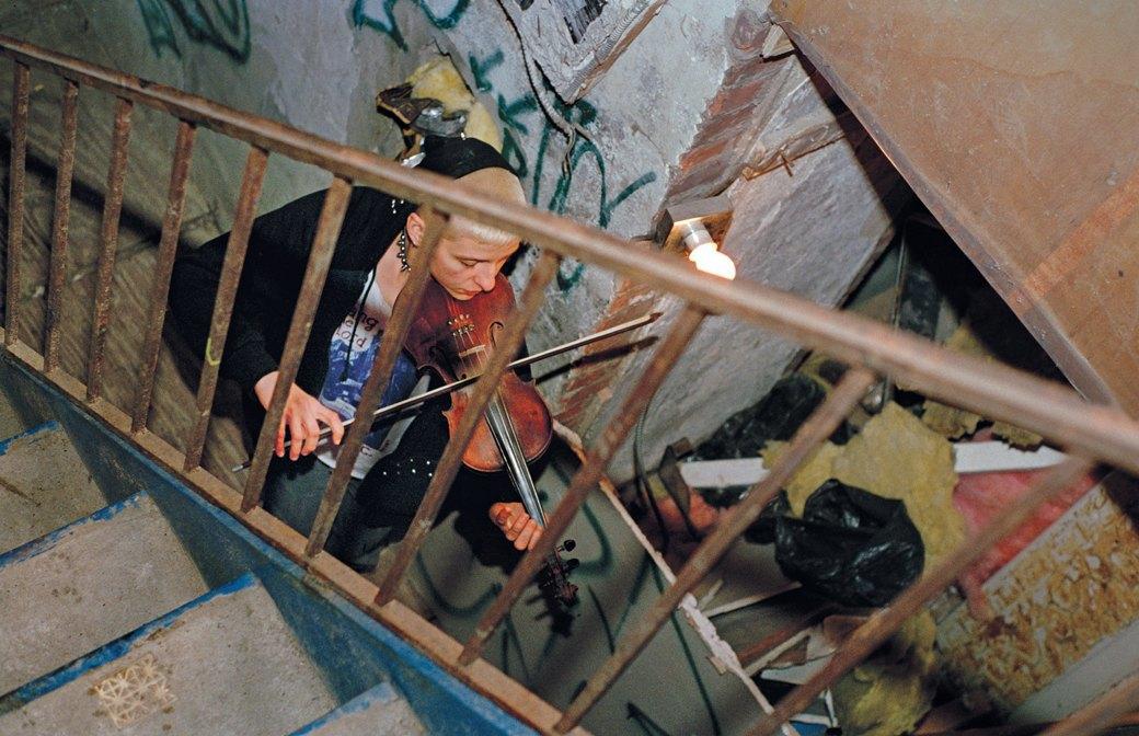Жизнь нью-йоркских сквотеров в фотопроекте Эш Тэйер. Изображение № 3.