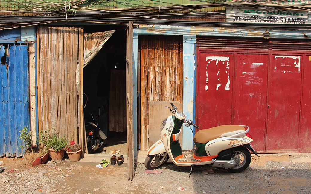 Две девушки и один мотоцикл: Путешествие по Камбодже. Изображение № 8.