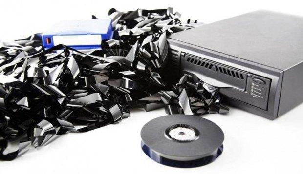 Компания Sony начала работу над видеоплёнкой объёмом 185 терабайт. Изображение № 1.