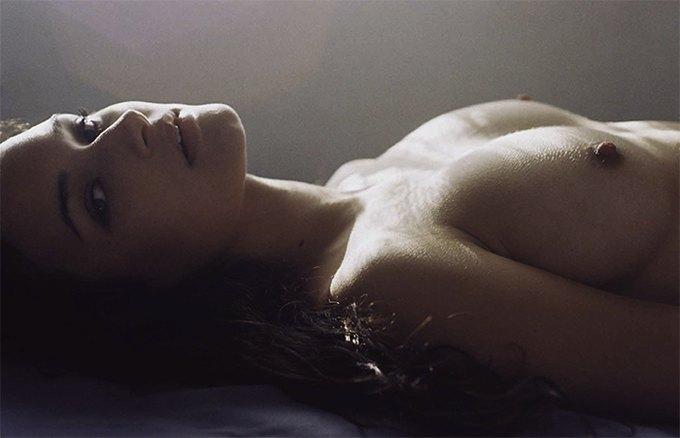 Хенрик Пурьенн выпустил книгу эротических фотографий Purienne. Изображение № 3.