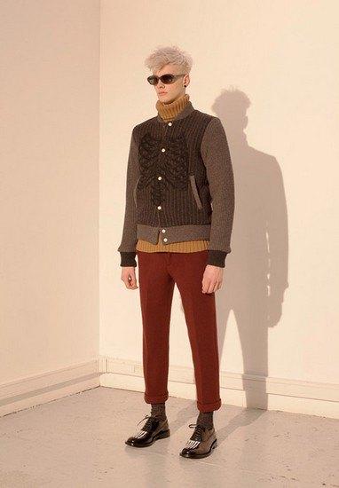 Марка Undercover опубликовала лукбук осенней коллекции одежды. Изображение № 3.