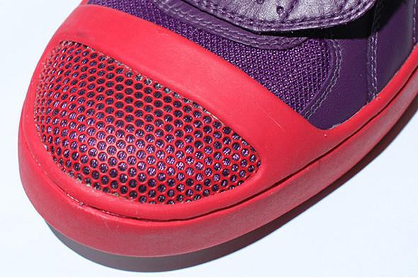 10 самых спорных моделей кроссовок 2011 года. Изображение № 56.