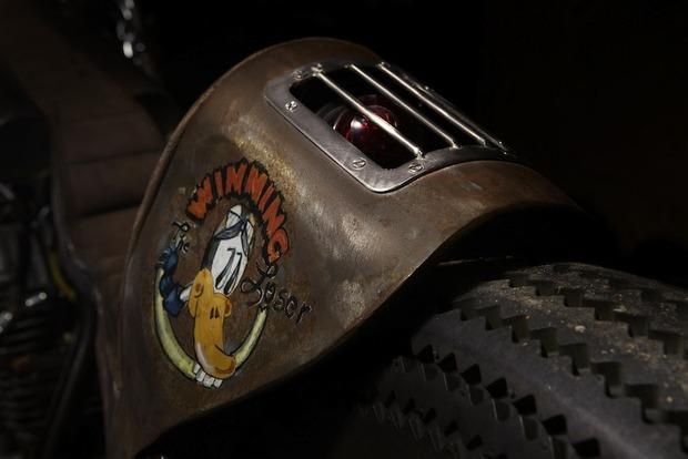 Испанская мастерская El Solitario изготовила мотоцикл Winning Loser. Изображение № 2.