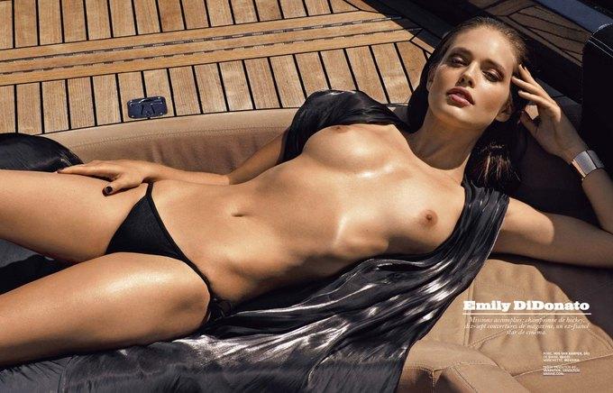 Американская модель Эмили Ди Донато снялась у Марка Сегала для июльского номера Lui Magazine. Изображение № 1.