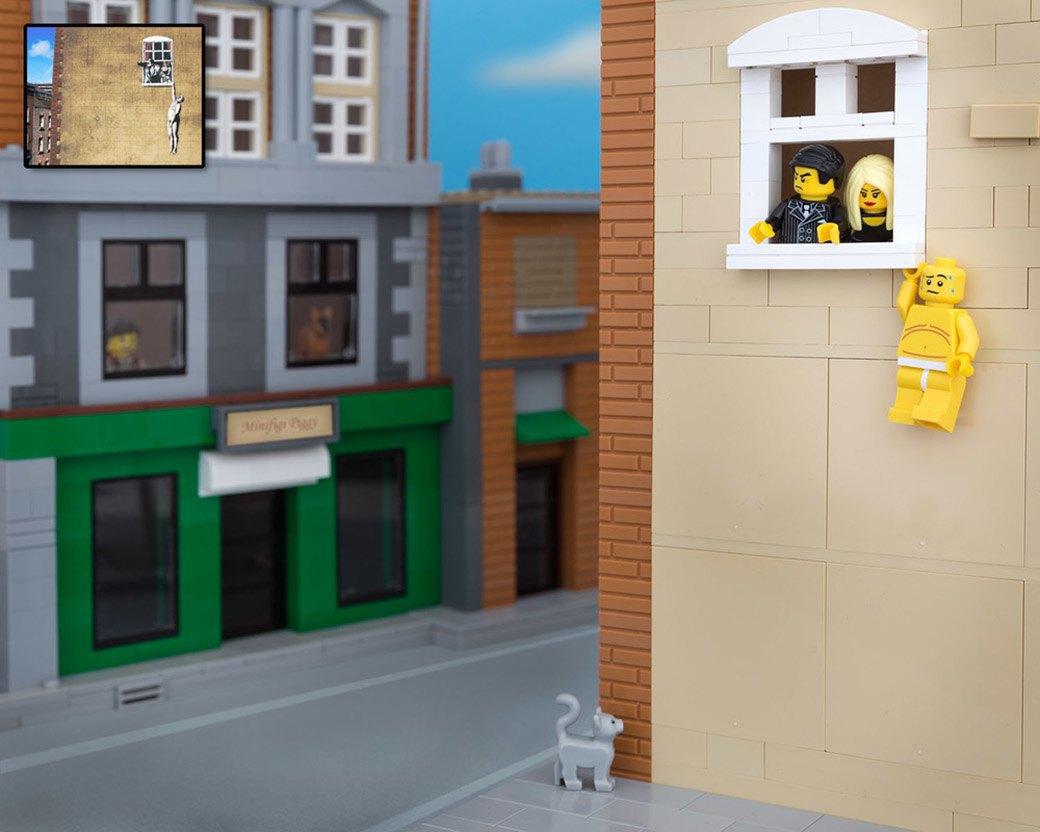 Bricksy: Работы Бэнкси из конструктора LEGO. Изображение № 3.