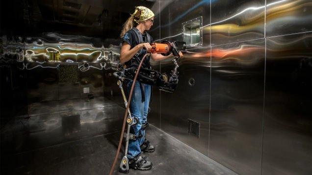В США создали экзоскелет для рабочих. Изображение № 1.