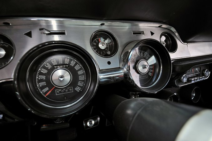 В США на аукционе продали самый дорогой Ford Mustang. Изображение № 22.