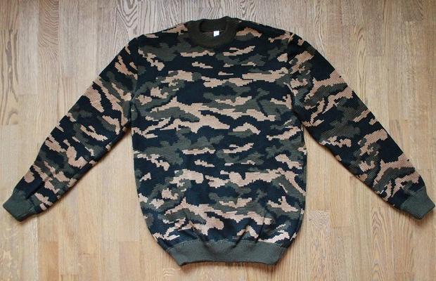 Камуфляжный свитер, 1 900 рублей. Изображение № 7.
