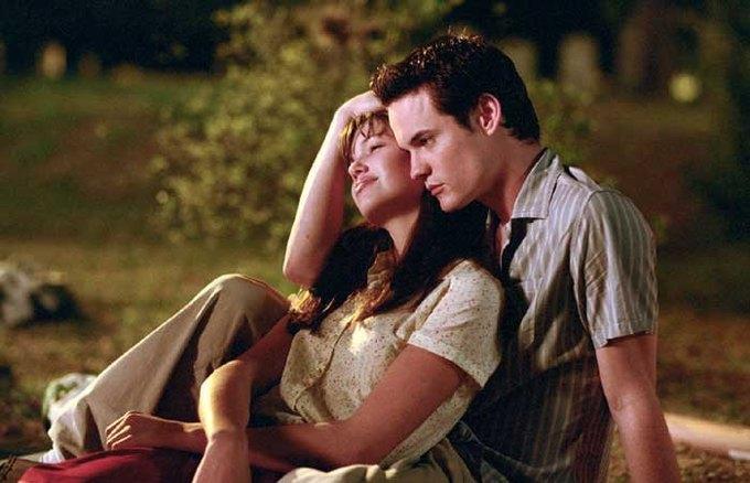 Учёные доказали вред романтических комедий для интимных отношений. Изображение № 1.