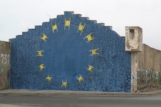 Уличный художник Blu представил новую работу в Марокко. Изображение № 1.