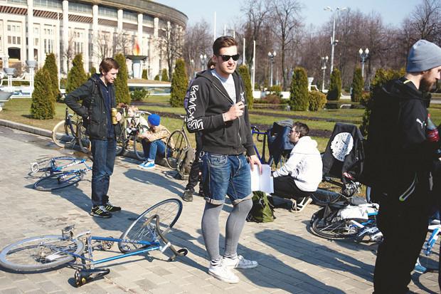 Детали: Фоторепортаж с открытия велосезона Fixed Gear Moscow. Изображение №19.