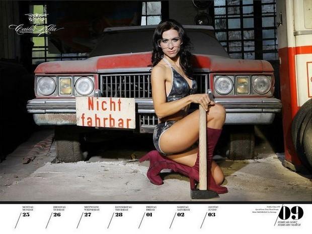 10 эротических календарей на 2013 год. Изображение № 70.