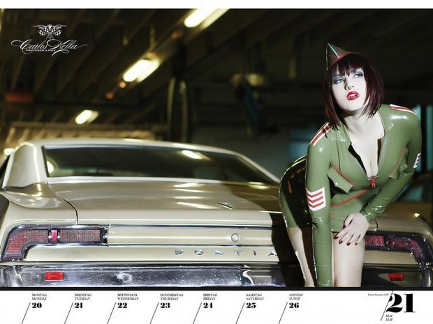 10 эротических календарей на 2013 год. Изображение № 82.