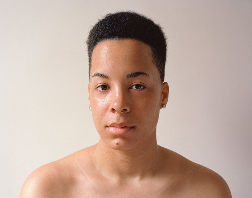 «Мужчина без рубашки не опасен, другое дело – женщина»: Фотопроект Джессики Ятрофски о наготе. Изображение № 1.