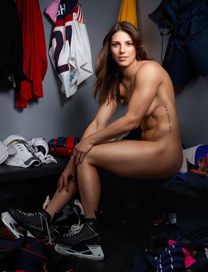 Журнал ESPN the Magazine опубликовал съёмку с обнажёнными спортсменами. Изображение № 14.