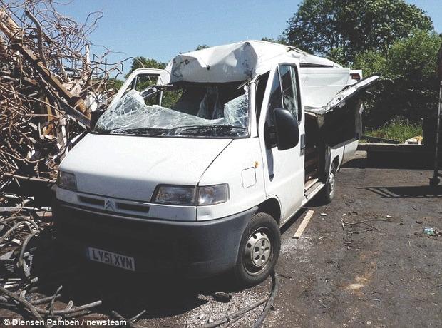Англичанин случайно сдал свой автомобиль на металлолом. Изображение № 2.
