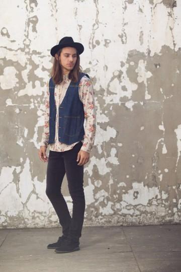 Марка Obey выпустила лукбук весенней коллекции одежды. Изображение № 27.