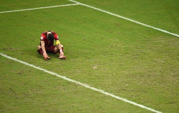 Грустные футболисты: Самый трагичный Tumblr-блог в истории современного спорта. Изображение № 22.