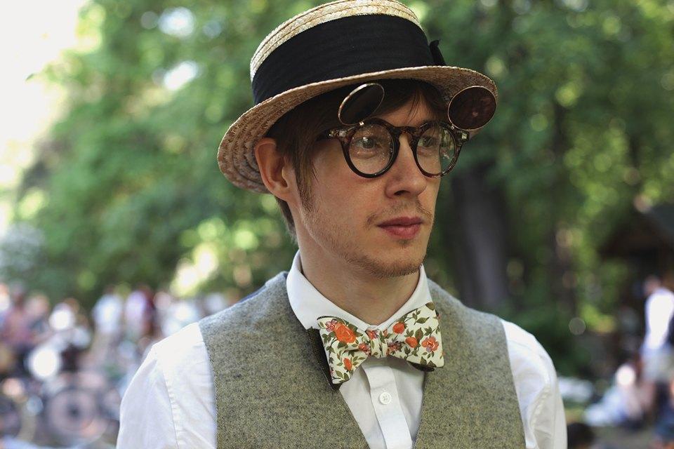 Детали: Репортаж с велозаезда Tweed Ride Moscow. Изображение № 13.