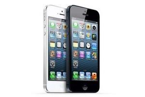 Первые пользователи iPhone 5 считают гаджет слишком легким и тонким. Изображение № 2.