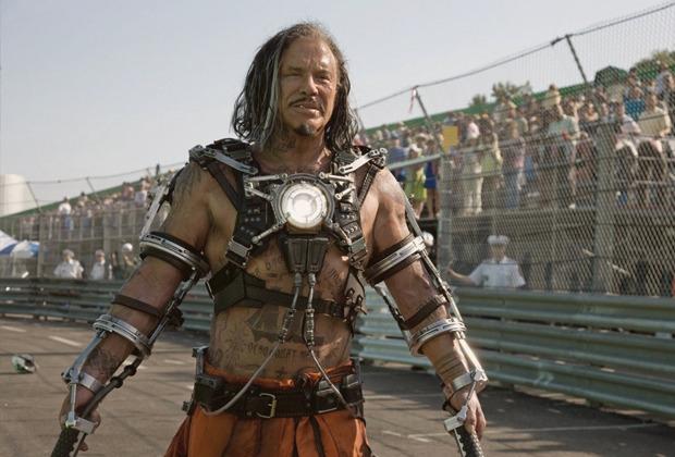 Микки Рурк в «Iron Man 2» с советской тюремной татуировкой. Изображение №4.