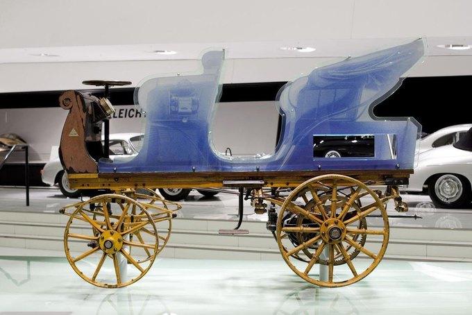 Самый первый автомобиль Porsche представили на выставке в Германии. Изображение № 1.