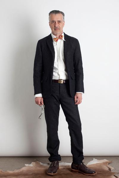 Дизайнер Марк МакНейри выпустил лукбук осенне-зимней коллекции одежды. Изображение № 7.