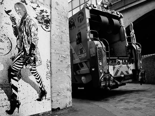 Новая работа уличного художника WK Interact. Изображение № 12.