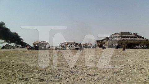 В сеть попали первые снимки со съемочной площадки новых «Звездных войн». Изображение № 12.