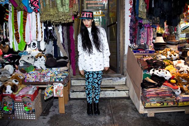 Американская марка Mishka опубликовала лукбук весенней коллекции одежды. Изображение № 2.