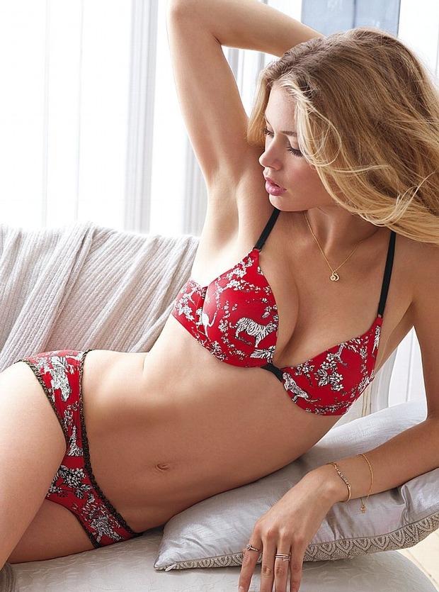 Модели Барбара Палвин и Даутцен Крус снялись в рекламе нижнего белья Victoria's Secret. Изображение № 15.