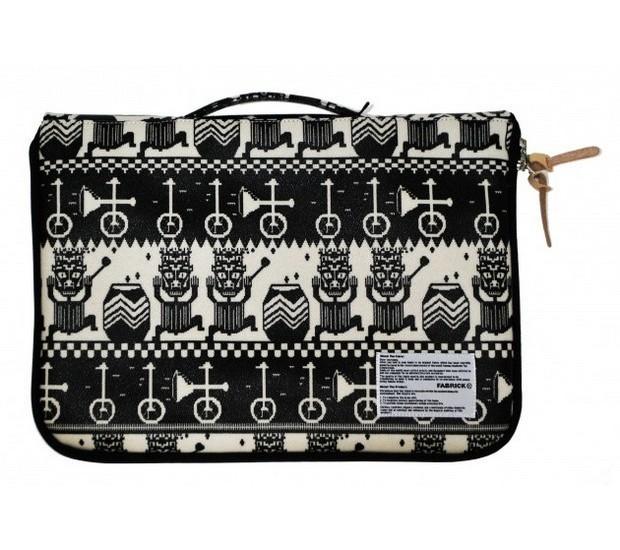 Дизайнер Хенрик Вибсков и Medicom Toy представили совместную коллекцию одежды и аксессуаров. Изображение № 30.