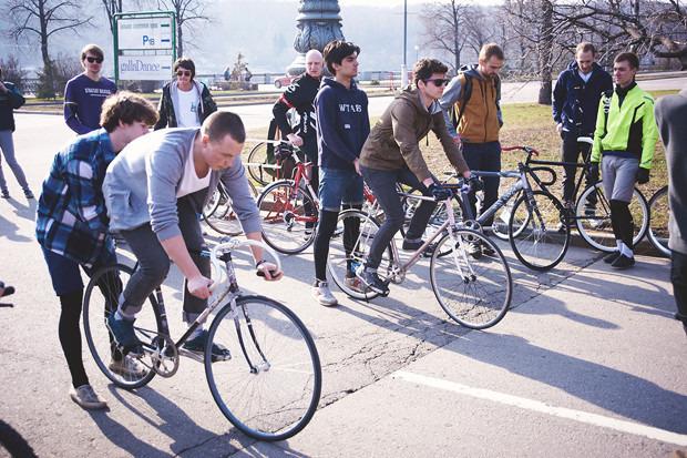 Детали: Фоторепортаж с открытия велосезона Fixed Gear Moscow. Изображение №43.