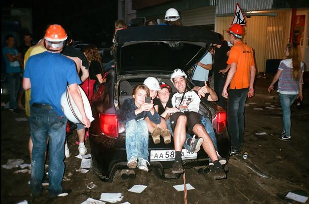 «Я инженер, детка!»: Репортаж с летнего безумия в бауманских общежитиях. Изображение № 8.