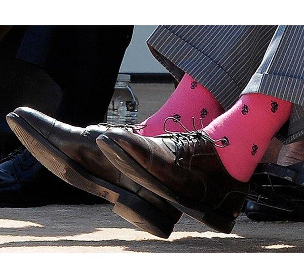 Американцы поздравили бывшего президента цветными носками. Изображение № 25.
