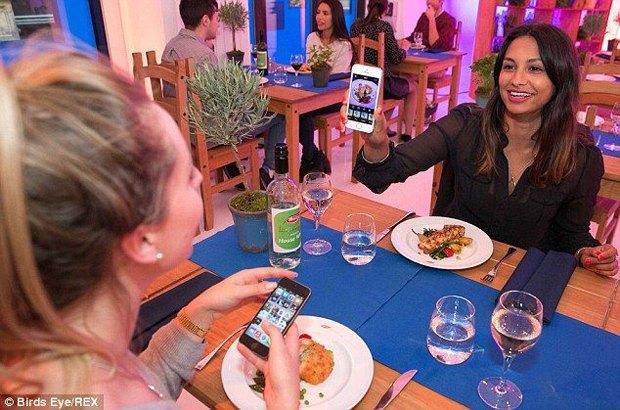 В лондонском ресторане начали бесплатно кормить за фото еды в Instagram. Изображение № 1.