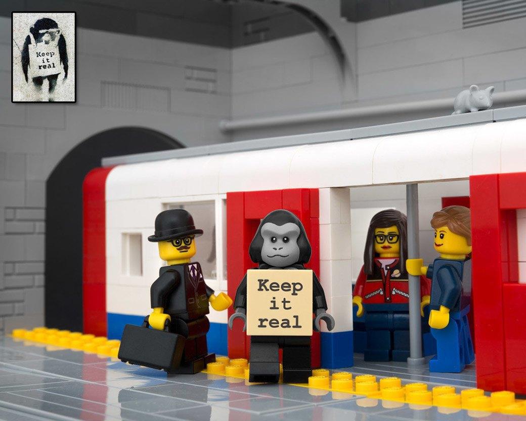 Bricksy: Работы Бэнкси из конструктора LEGO. Изображение № 20.