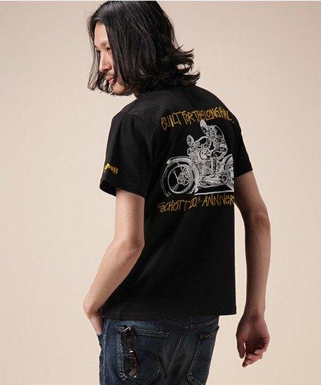 Марки Stussy и Schott выпустили совместную коллекцию футболок. Изображение № 10.