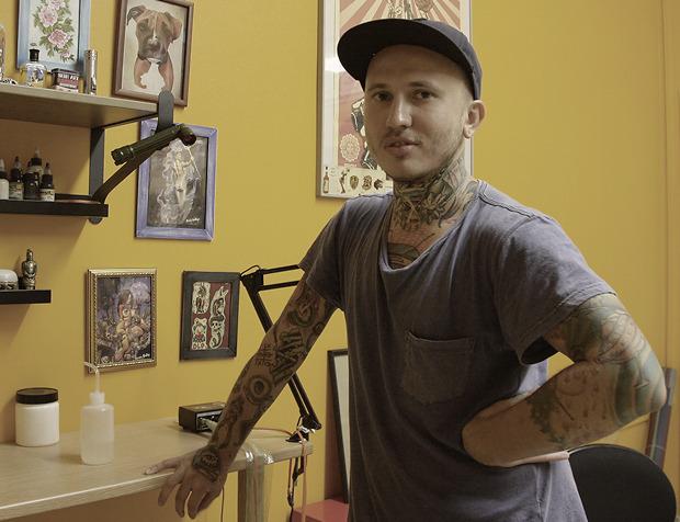 «Я никогда не хотел быть психологом или адвокатом»: Николай Никишин, татуировщик Love Life Tattoo. Изображение №3.