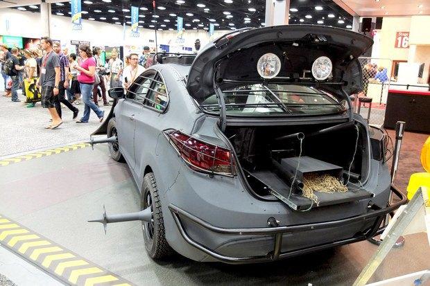 Hyundai создали машину для спасения от зомби. Изображение № 5.
