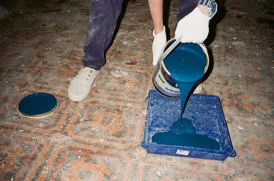 Фоторепортаж: Как мы сделали ремонт в мастерской силами редакции. Изображение № 30.