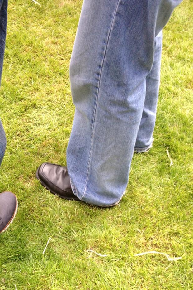 Jeans and Sheuxsss: Еженедельные обзоры худших сочетаний обуви и джинсов. Изображение № 21.