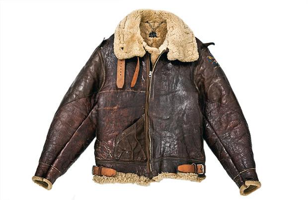 На высоте: История и особенности легендарной пилотской куртки на меху — B-3. Изображение № 1.